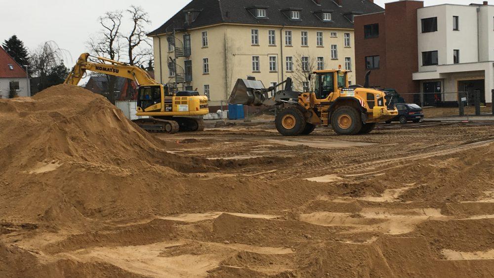 Baggern für das Green Office Building Osnabrück - es geht mächtig rund auf unserer Bastelle