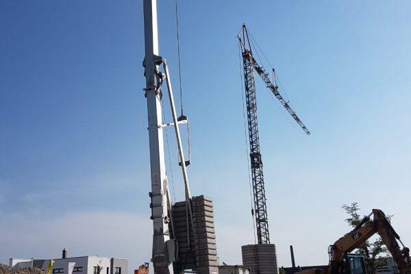 Noch ist nicht viel davon zu sehen, dass unser Green Office Building in die Höhe wächst. Doch bald werden unsere beiden Baukräne deutlich mehr zu tun bekommen!