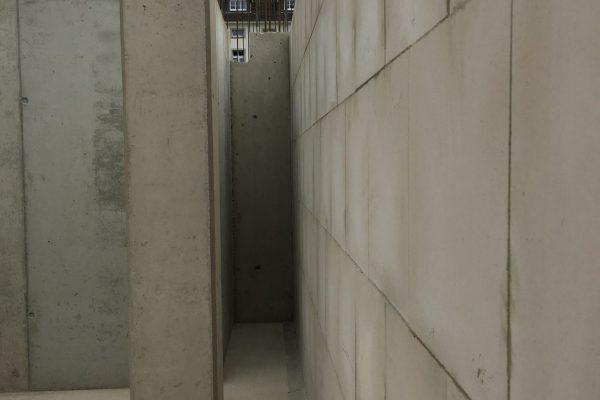 """Diese """"Nische"""" füllt sich bald mit Technik - der Schacht für die Installationen muss auch einiges an Raum her geben."""